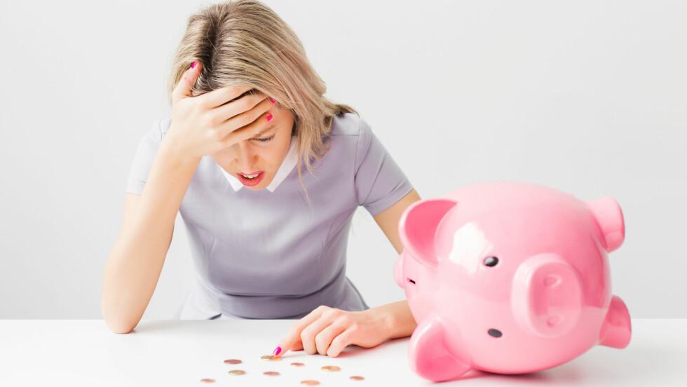 ØKONOMI OG BARN: Det å få barn er ikke billig - derfor kan det være lurt å være litt påpasselig med økonomien din.  Foto: Shutterstock / Kaspars Grinvalds