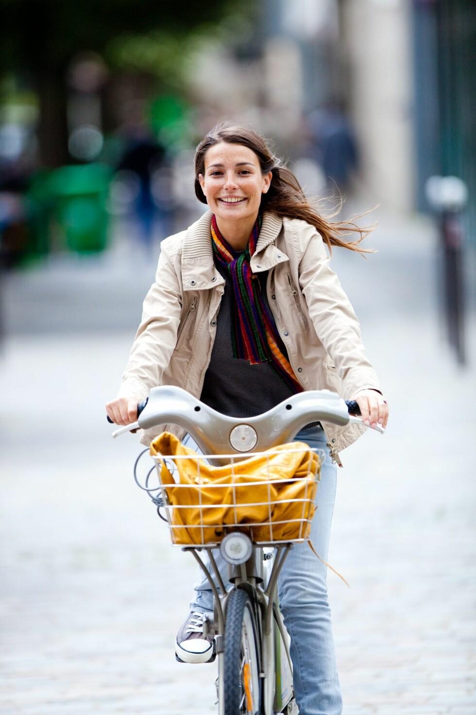 AKTIV I HVERDAGEN: Litt mosjon hver dag er sunt for hele kroppen og kan redusere risikoen for alvorlig sykdom.