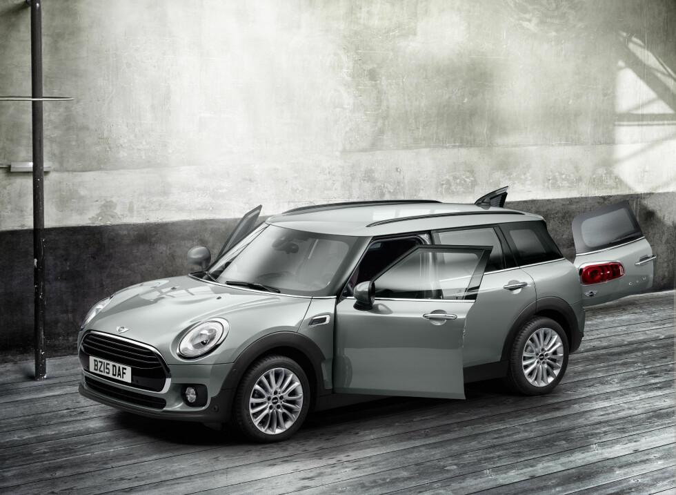 OPPKALT ETTER BILEN: Miniskjørtet har faktisk fått sitt navn etter bilen Mini. Foto: Ap