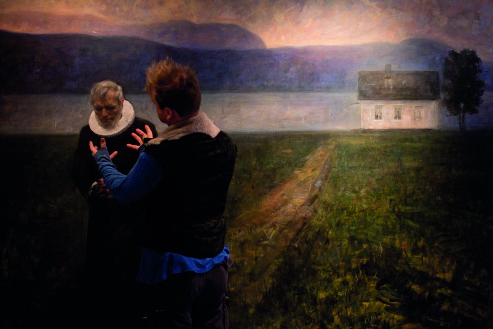 OMSTENDELIG: Det tok et helt år å male portrettet av presten Børre Knudsen. Foto: Gudmund Sand