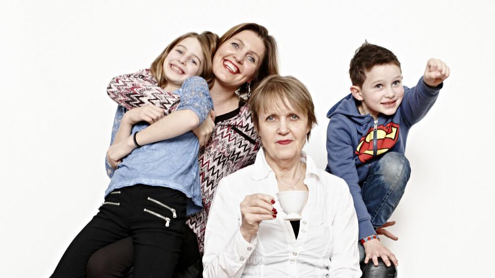 DORA THORALLSDOTTIR: I dag møter mormor Herdis sine barnebarn Sara (10) og Elias (7,5) på en helt annen måte enn hun møtte sin datter Dora (42).  Foto: Geir Dokken