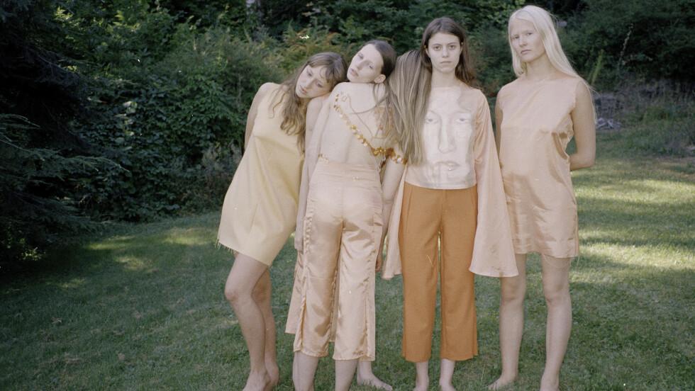 BROR AUGUST: 18-åringen fra Oslo debuterer som designer under New York Fashion Week denne uken. Foto: Jakob Landvik