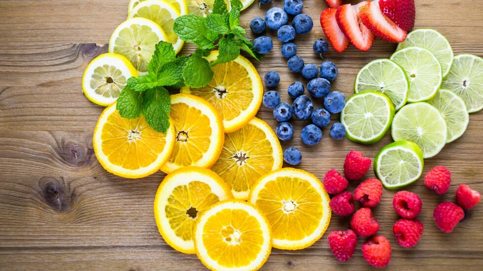 SITRUS OG BÆR: Disse matvarene kan ifølge ny forskning redusere menns risiko for impotens. Foto: Shutterstock