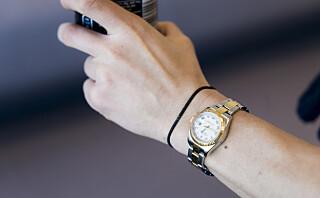 Hårstrikk rundt håndleddet - livsfarlig eller bare stygt?