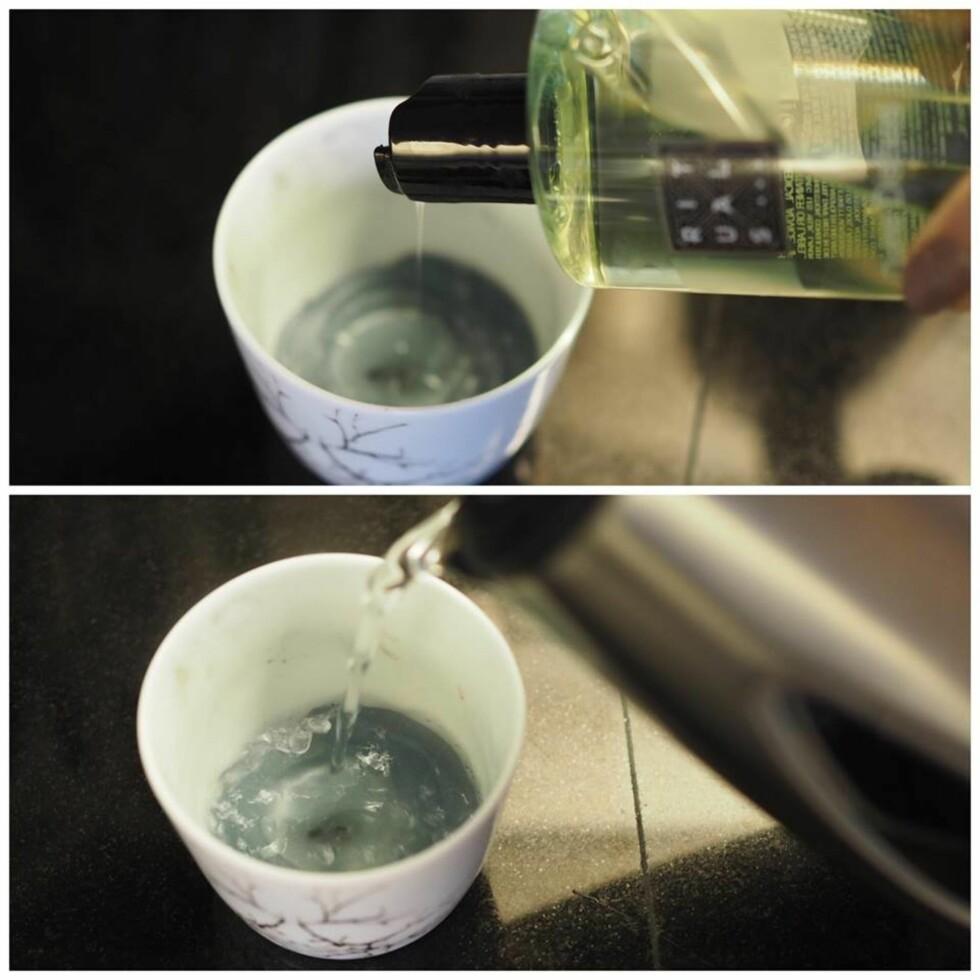 TRINN 1: Ha litt oppvasksåpe og kokende vann i telysholderen.  Foto: Marna Haugen Burøe