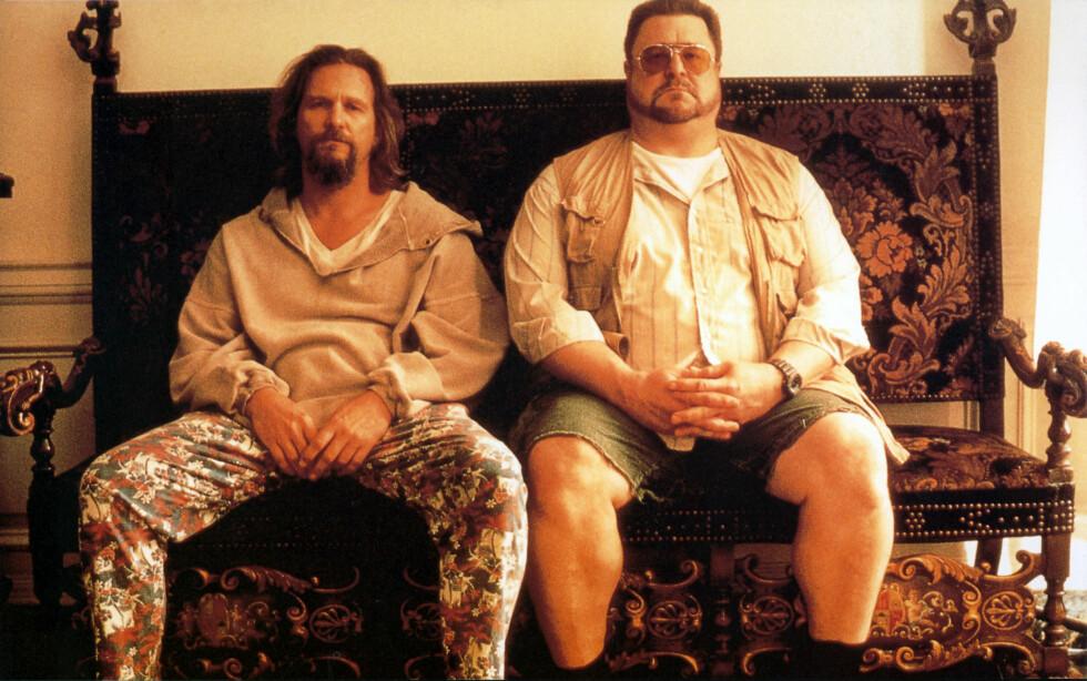 <strong>THE BIG LEBOWSKI:</strong> Kultfilmen fra 1998, med Jeff Bridges og John Goodham (t.h.) i hovedrollene vises på Stundentersamfundet i Trondheim på søndag. Foto: NTB Scanpix