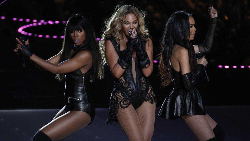 SUPERBOWL: Jentene i Destiny's Child hver sin vei i 2006, men under Super Bowl i 2013 inntok trekløveret scenen sammen nok en gang – til fansens store glede. Foto: Reuters