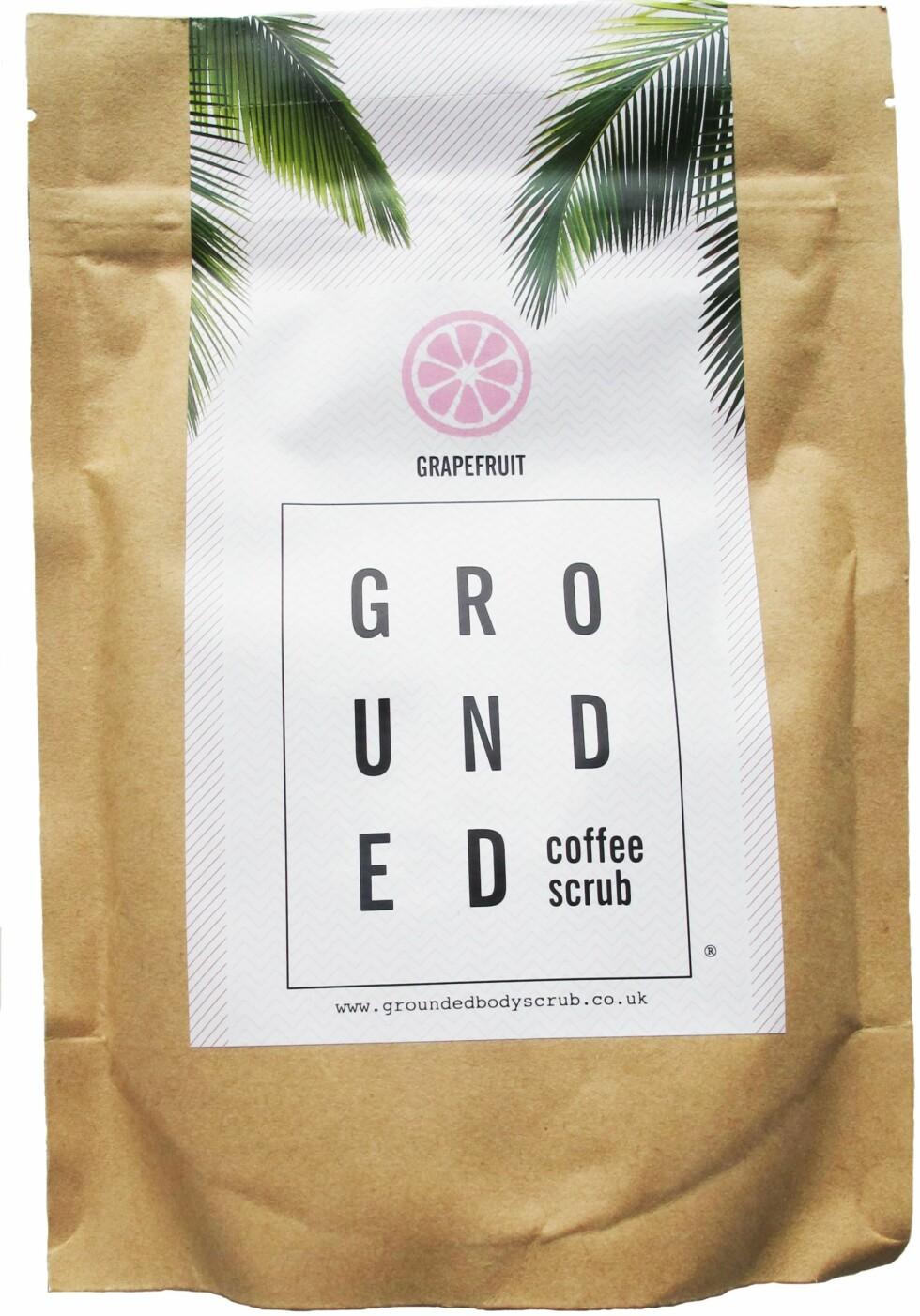 SKRUBB: Laget av kaffe! La den være på huden i 10 minutter etter at du har skrubbet, så blir den som en maske med fukt, antioksidanter og andre go'saker i tillegg (kr 200, Grounded Coffee Scrub/Skinlove.no). Foto: Produsenten
