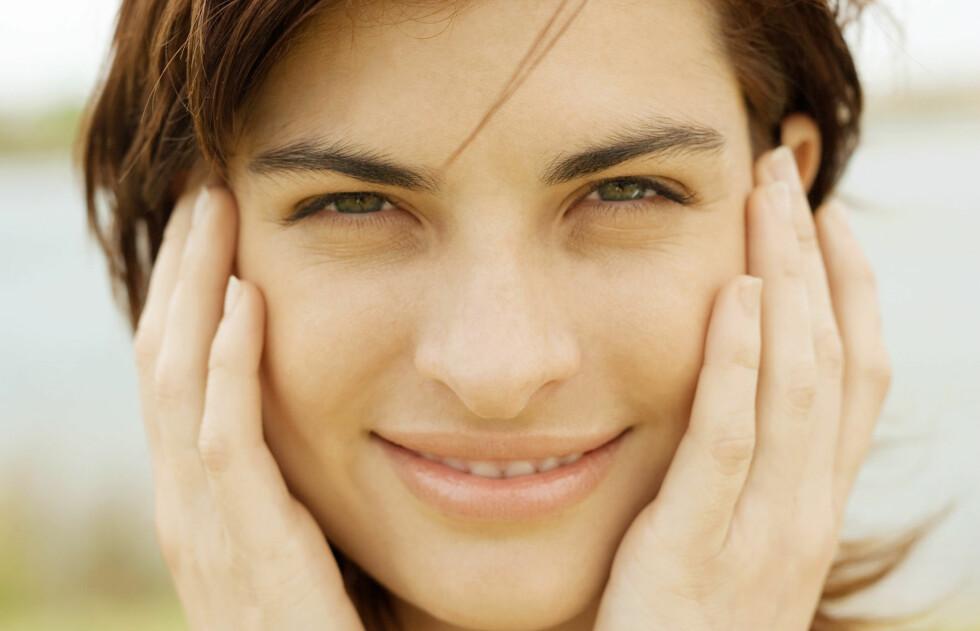 PÅVIRKER HUDEN: Maten du spiser påvirker i stor grad kroppen din og derfor vil det også påvirke huden din. Foto: AltoPress / Maxppp
