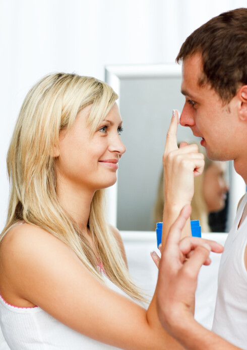 TRENGER ULIKE PRODUKTER: Fordi menn har mer hårvekst i ansiktet enn kvinner, trenger de helt andre type ansiktsprodukter.  Foto: WavebreakMediaMicro - Fotolia
