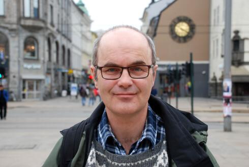 RAMMET TO GANGER: Dag Osvald Koppang fra Enebakk fikk påvist brystkreft første gang i 2011. Tidligere i år oppdaget han en ny kul. Foto: Eva Hongshagen, Brystkreftforeningen