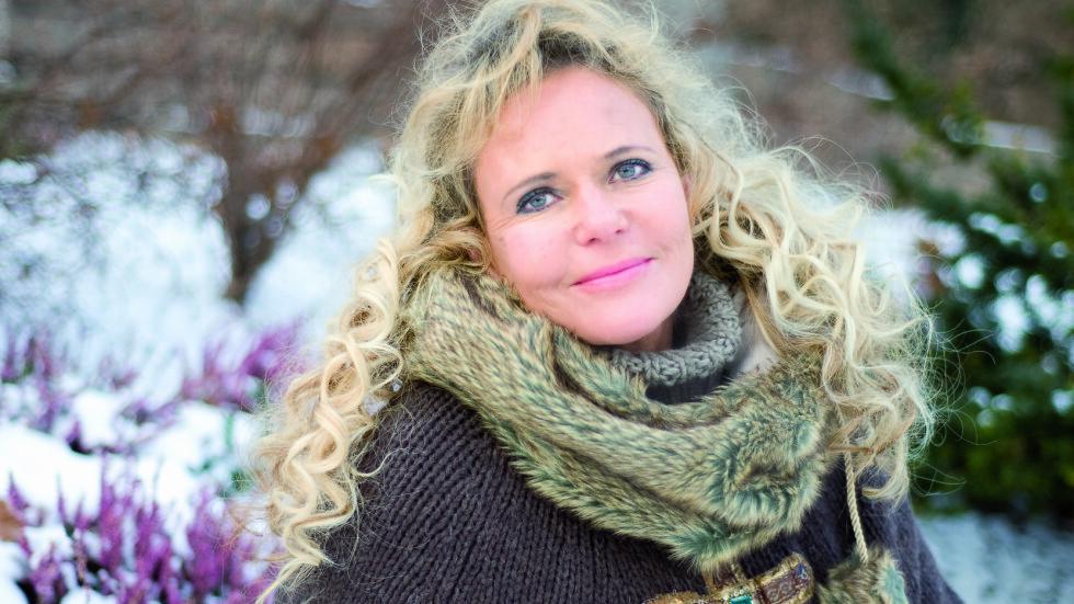 JOBBER MYE: - Jo mer jeg arbeider, dess flere motiver, ideer og assosiasjoner kommer frem, sier Elisabeth Werp. Foto: Anne Vesaas