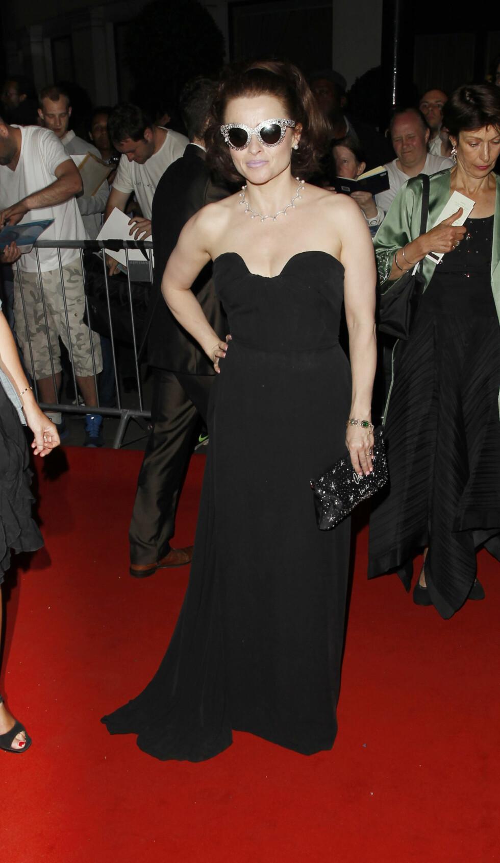 Skuespiller Helena Bonham Carter i kjole fra Vivienne Westwood.  Foto: Jacob / Splash News/ All Over Pr