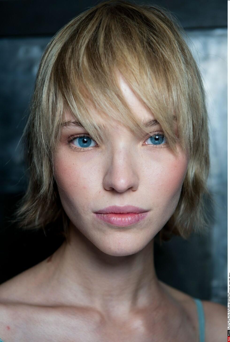 En mellomkort frisyre, som på denne modellen hos designeren Rodarte, er perfekt for nordisk, tynt hår.  Foto: All Over Press