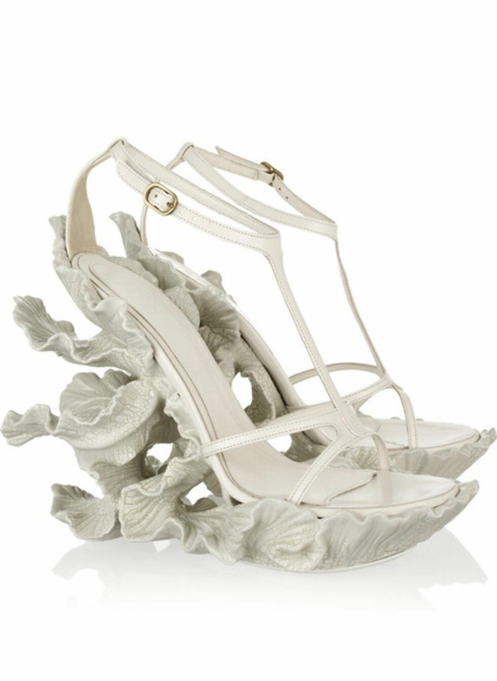 Korallignende sko fra Alexander McQueen (ca kr.20 840/Net-a-porter.com). Ikke for hvem som helst, eller hvem som helst sin lommebok. Foto: Produsenten