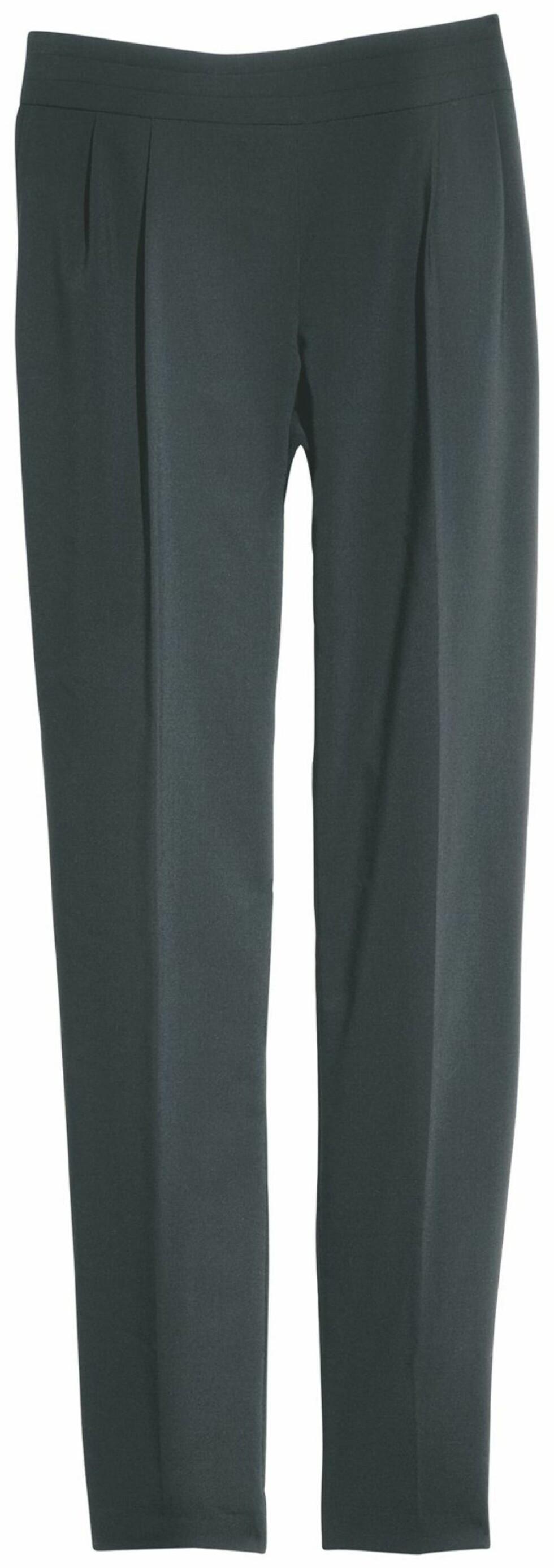 Elegante bukser med press (kr 300, H&M).