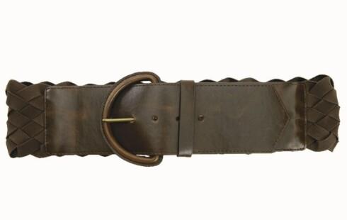 HØSTENS FOLKLORETREND: Flettet belte i imitert skinn som passer fint til skjortekjoler (kr 100, Gina Tricot).