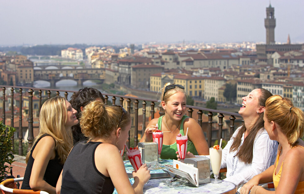 VAKKERT OG TRENDY: Firenze i Italia byr på det vakreste av Italia og utrolig god shopping, blant annet Prada. Foto: All Over Press