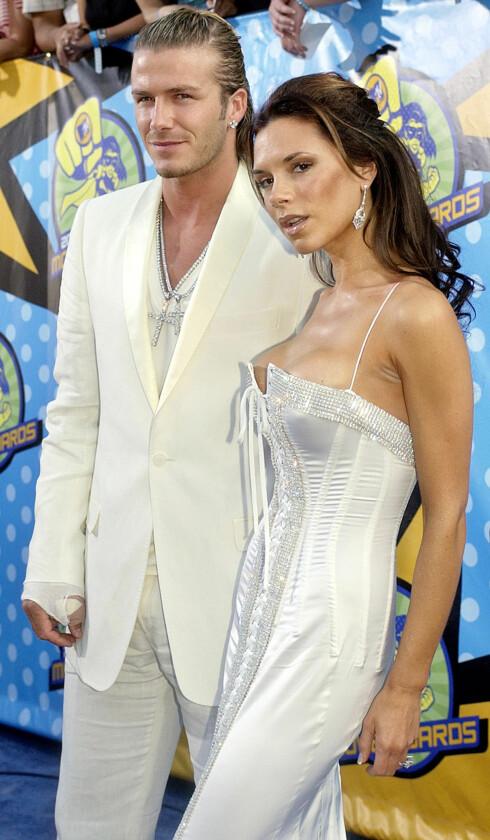 <strong>FASADE:</strong> Herr og fru Beckham fotografert under MTV Movie Awards i Los Angeles i 2003. Det er på dette tidspunktet Beckham skal ha hatt et forhold til sin personlige assistent Loos. Foto: NTB Scanpix