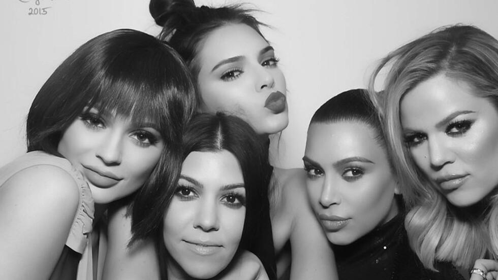 THE KARDASHIANS: Det er ingen tvil om at Kim (35), Khloe (31), Kourtney (36), Kendall (20) og Kylie (18) er noen omdiskuterte søstre. Foto: NTB Scanpix