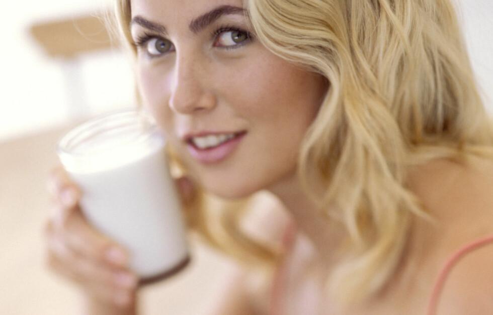 MELK: Har du laktoseintoleranse bør du unngå melkeprodukter for å holde magen i sjakk. Foto: Thinkstock