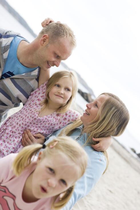 SUNN AVHENGIHET: Foreldrepar vil kunne kjenne på at de er avhengige av hverandre for å få familielivet til å fungere i hverdagen Foto: Scanpix