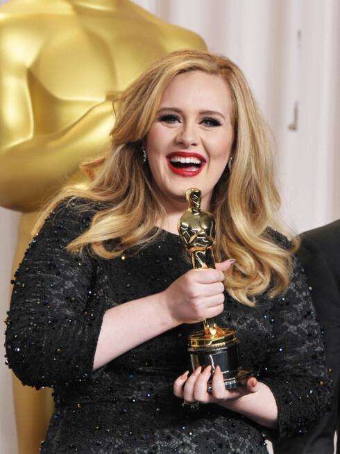 <strong>OSCAR-VINNER:</strong> Adele gikk av med seieren under Oscar-utdelingen i 2013 for Bond-sangen Skyfall. Foto: Ap