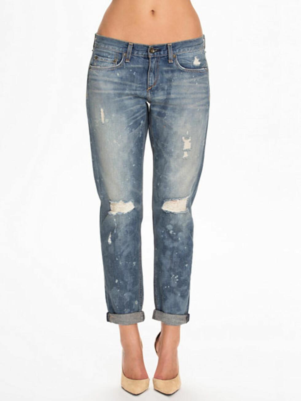 Jeans fra Rag & Bone via Nelly.com, før kr 2395 - nå kr 1197. Foto: Nelly.com