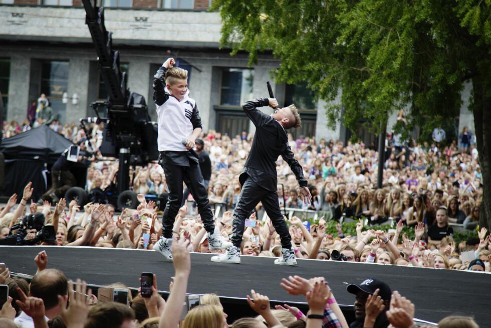 PÅ VG-LISTA: Her spiller gutta for tusenvis av fans under VG-lista i Oslo i sommer.  Foto: VG