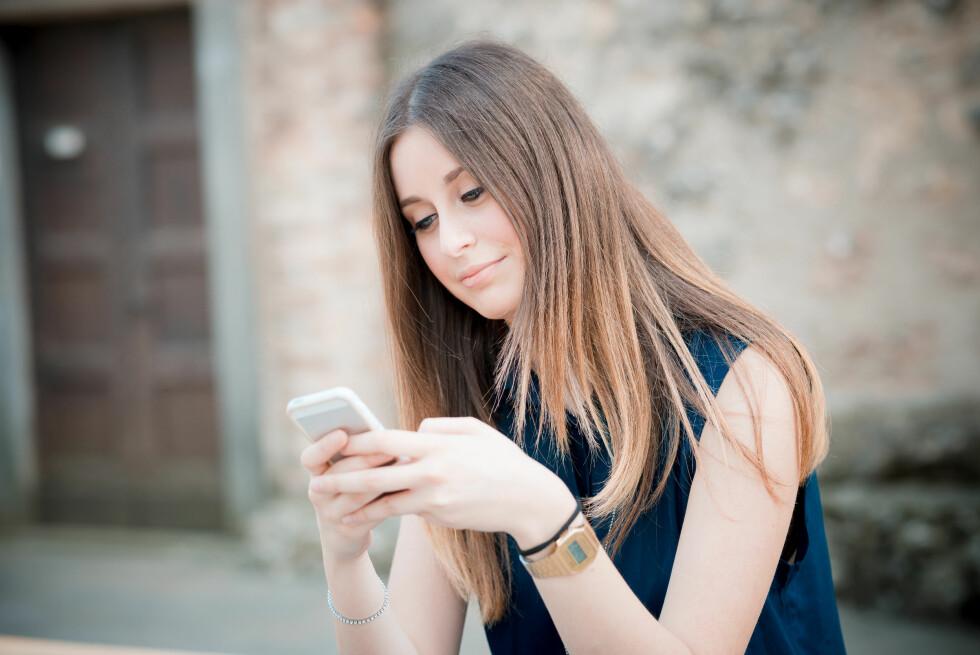 VI ER KRESNE: Ekspertene mener at dating apper som Tinder og Happn kan ha gjort oss mer kresne.  Foto: Eugenio Marongiu - Fotolia