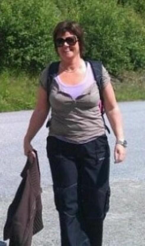 GJEMTE SEG BAK KLÆRNE: Tidligere pleide Larviks-kvinnen å pakke inn kroppen i lag på lag med klær.  Foto: Privat