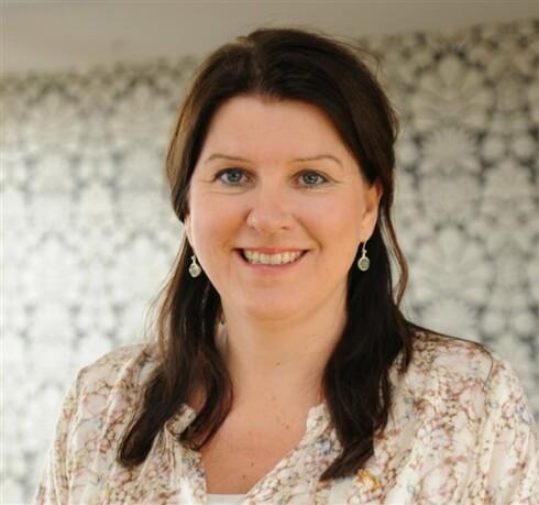 MÅ BYGGE TILLIT: Leder for Allmennlegeforeningen, Kari Sollien, mener god kommunikasjon er avgjørende for at pasienter skal få god hjelp hos legen.  Foto: Allmennlegeforeningen
