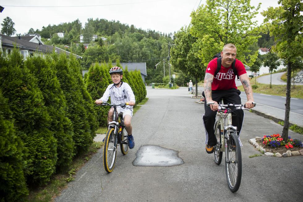 Steinar Schipper, samboer Kristine Kittelsen, eks Anja Blixt. Philip (9) og Viljar 4 uker. Foto: Sondre Steen Holvik Foto: Privat