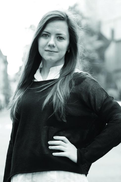 SKAPER RELASJON: Småpraten på sosiale medier er viktig for oss, ifølge medieviter Ida Aalen. Foto: Privat