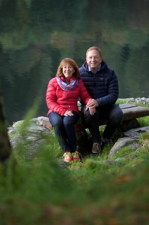 <strong>PAR I HJERTER:</strong> Ektemannen Steve (59) var engstelig for helsen til Marit og fikk henne til lege. Foto: Pål Bentdal
