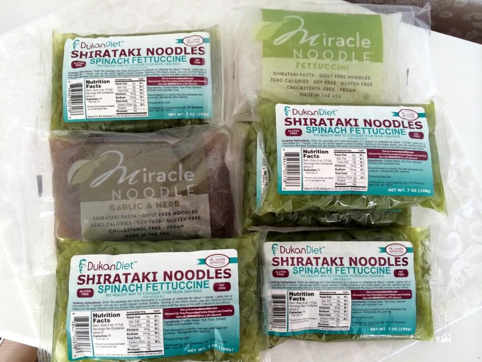 MANGE VARIANTER: Shirataki-nudler kan blant annet kjøpes på helsekostforretninger eller i asiatiske butikker.  Foto: Christina Slette Johnsen / LovelyLiller