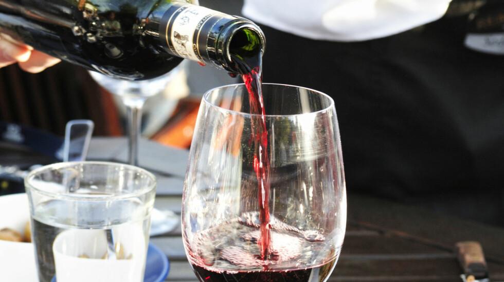 KAN ARVES: Du kan være predisponert for å utvikle alkoholavhengighet fra fødselen av.  Foto: Scanpix
