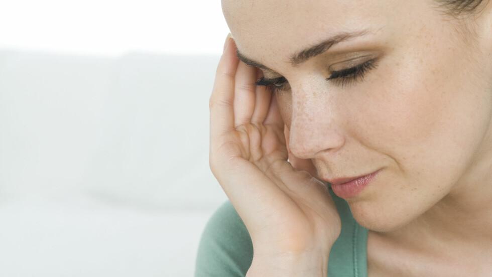 HODEPINE: Jernmangel kan gi flere symptomer, et av dem er hodepine. Foto: NTB Scanpix