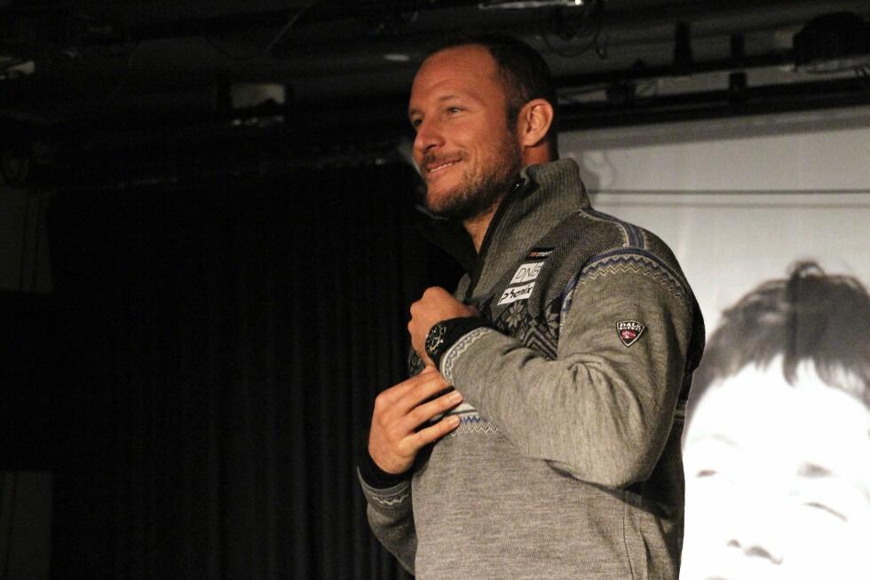 <strong>IKKE SÅ OPPTATT AV MOTE:</strong> Aksel Lund Svindal foretrekker helst skjorter eller gensere med glidelås.  Foto: KK.no