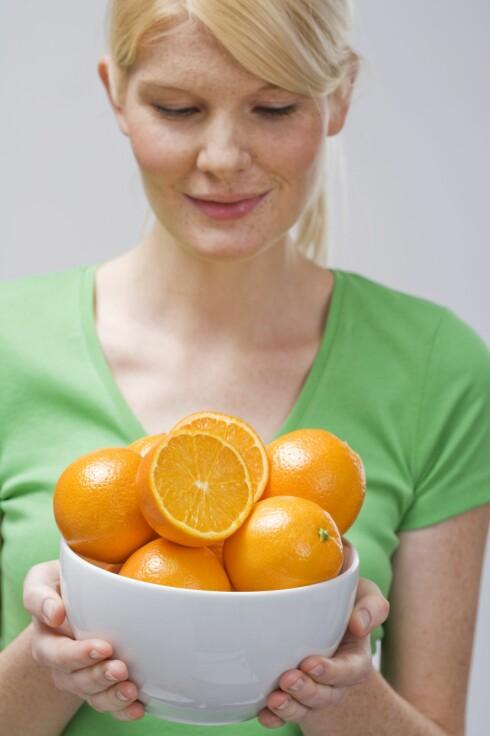 HJELPER IKKE: Blir du utsatt for et forkjølelsesvirus så har det lite å si hvor mye c-vitaminer og solhatt du har fått i deg. Foto: StockFood
