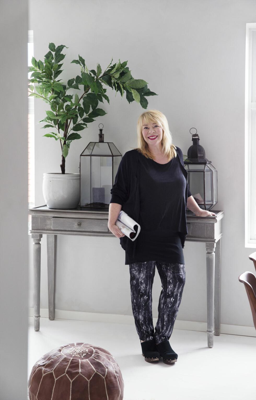 – Jeg elsker gjenbruk, sier interiørstylist Tone Kroken. I leiligheten på 46 kvadratmeter har hun skapt familiens hjem nr to.  Foto: Yvonne Wilhelmsen