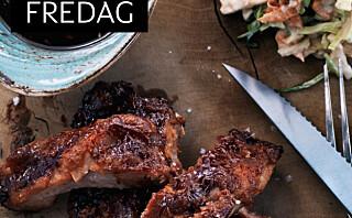 BBQ-marinerte spareribs med kålsalat