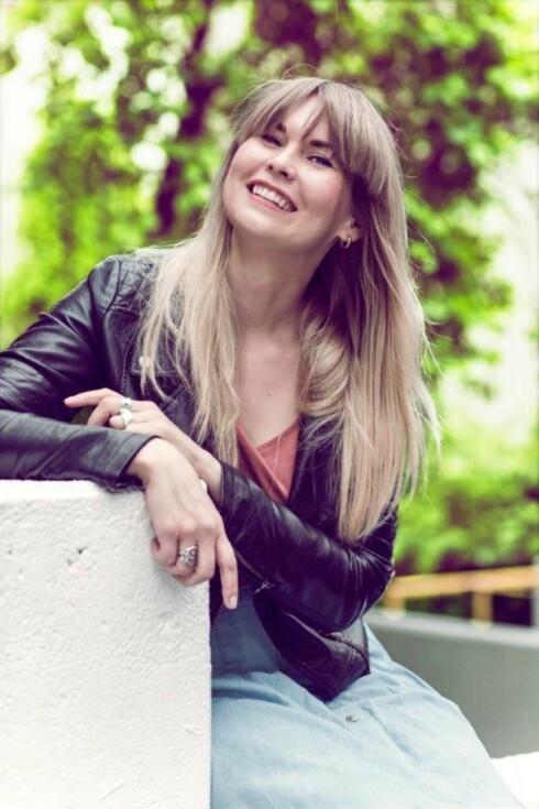 <strong>STRESS NED:</strong> Leena Ollikainen tror det beste er å la være å stresse med å være lykkelig.  Foto: Astrid Waller
