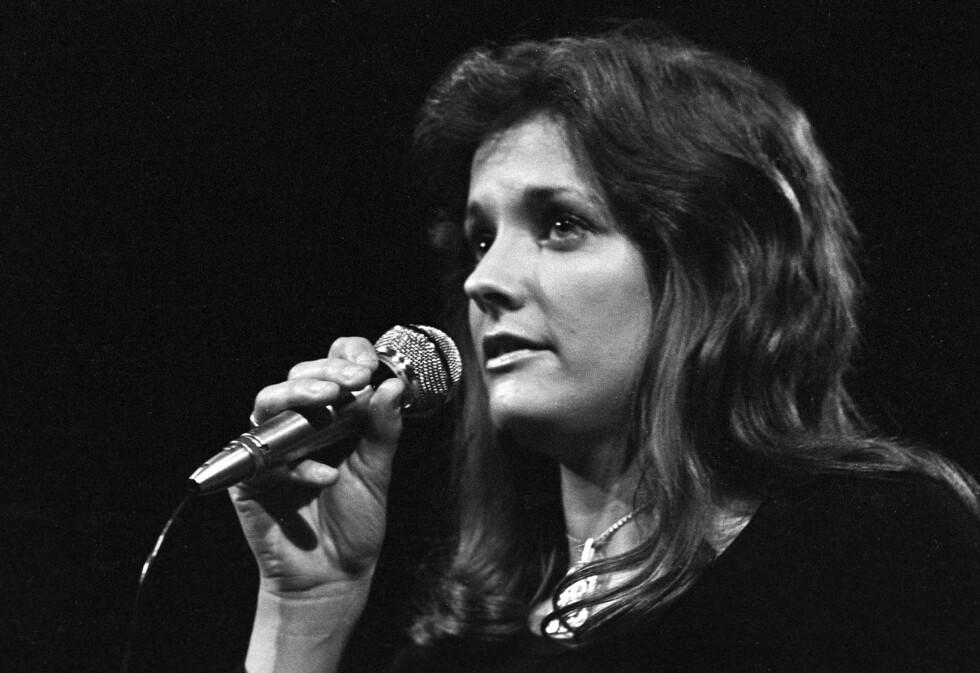 1973: Inger Lise får spellemannsprisen for årets kvinnelige popartist.  Foto: Oddbjørn Monsen / Aftenposten / Scanpix