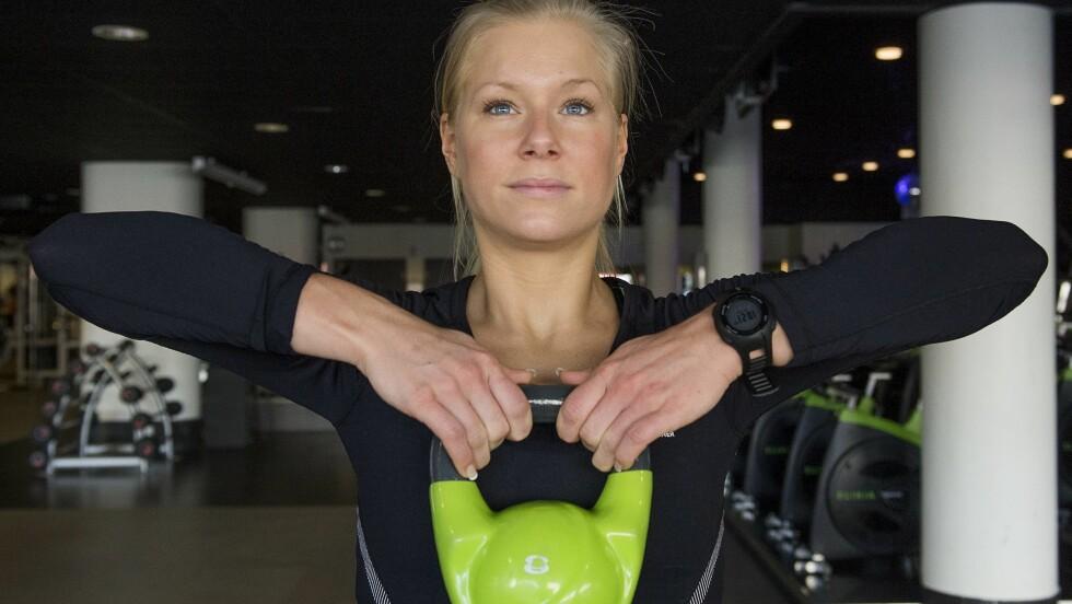 <strong>TREN HELE KROPPEN MED KETTLEBELLS:</strong> Et viktig nøkkelord med kettlebelltrening er at muskelgrupper ikke trenes hver for seg, men samtidig. Foto: TT NYHETSBYRÅN