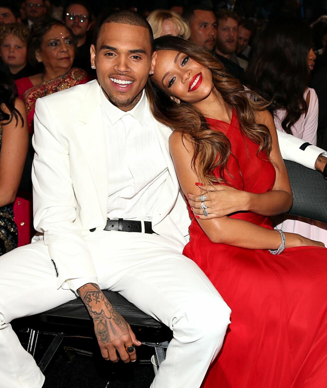 GRAMMY AWARDS: Her er paret sammen igjen noen år etter at Chris Brown slo Rihanna. Foto: Afp