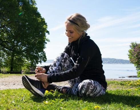 TESTVINNEREN: Adéle prøver testvinner  Adidas Ultra Boost. Foto: Lars Erik Bakken