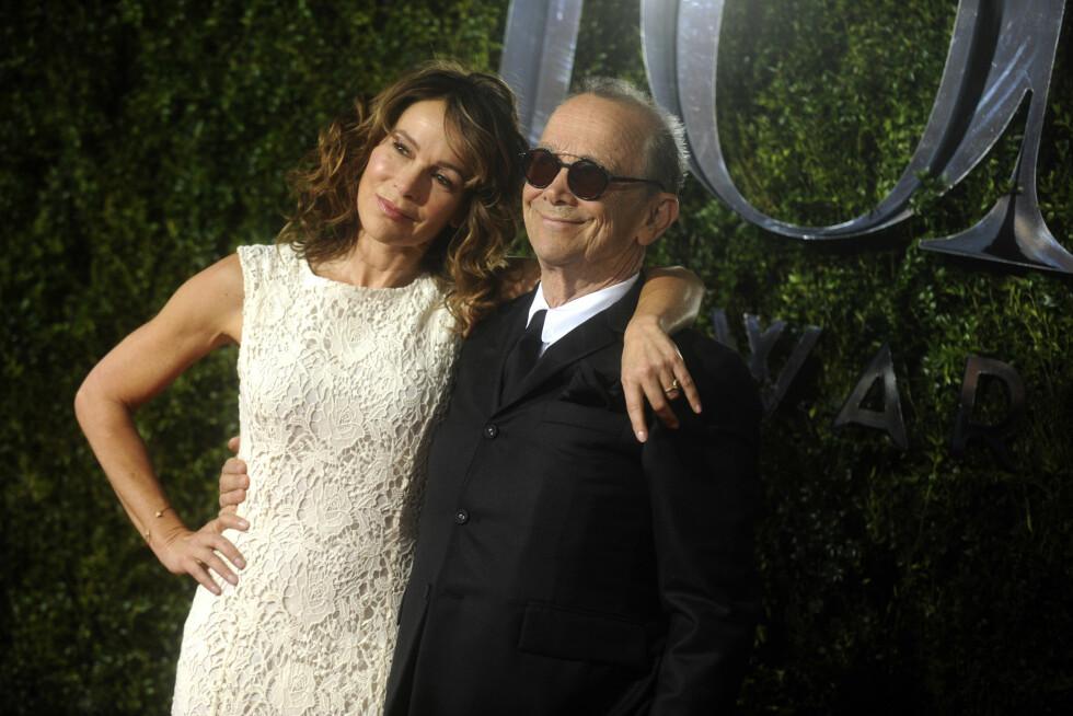 FAR OG DATTER: Jennifer og Joel Grey (83). Foto: wenn.com