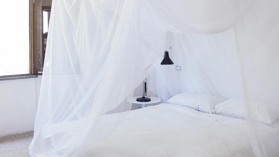 HIMMELSENG: Du trenger ikke kjøpe ny seng, å lage en himmelseng er veldig, veldig lett! Foto: Yvonne Wilhelmsen