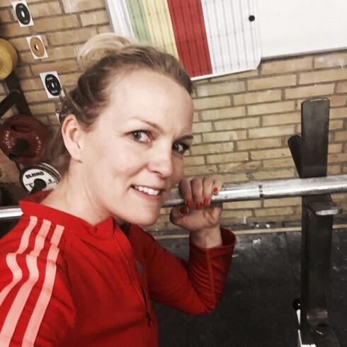 SELFIE: Et lite bilde som bekrefter styrkeøkten må til! Foto: Privat
